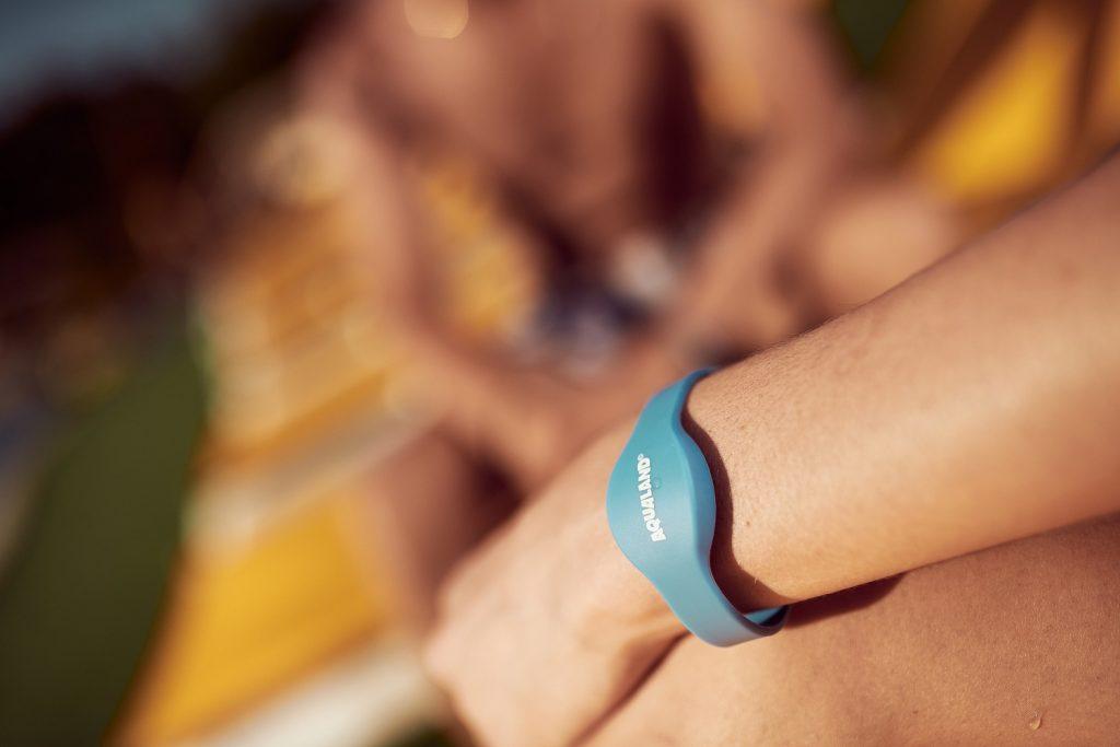 NOUVEAU : Le bracelet de paiement Cashless pour vous simplifier la visite