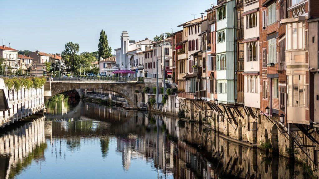 Allier plaisir et découverte dans le parc aquatique de l'Occitanie: Aqualand Cap d'Agde
