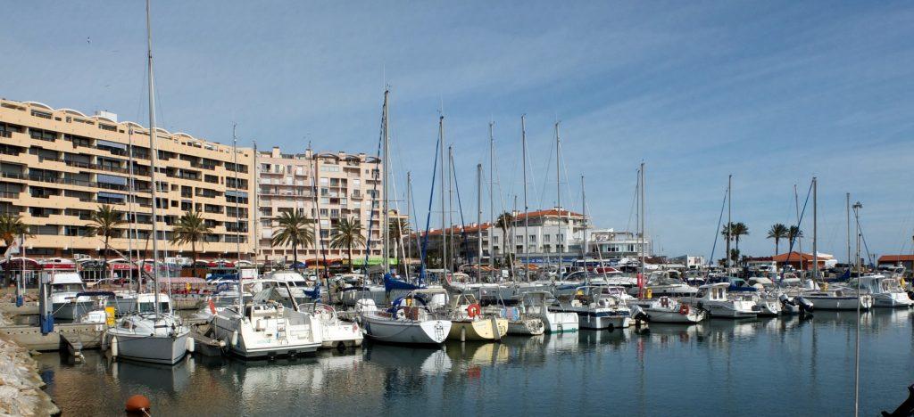 Découvrez Saint Cyprien et son port de plaisance
