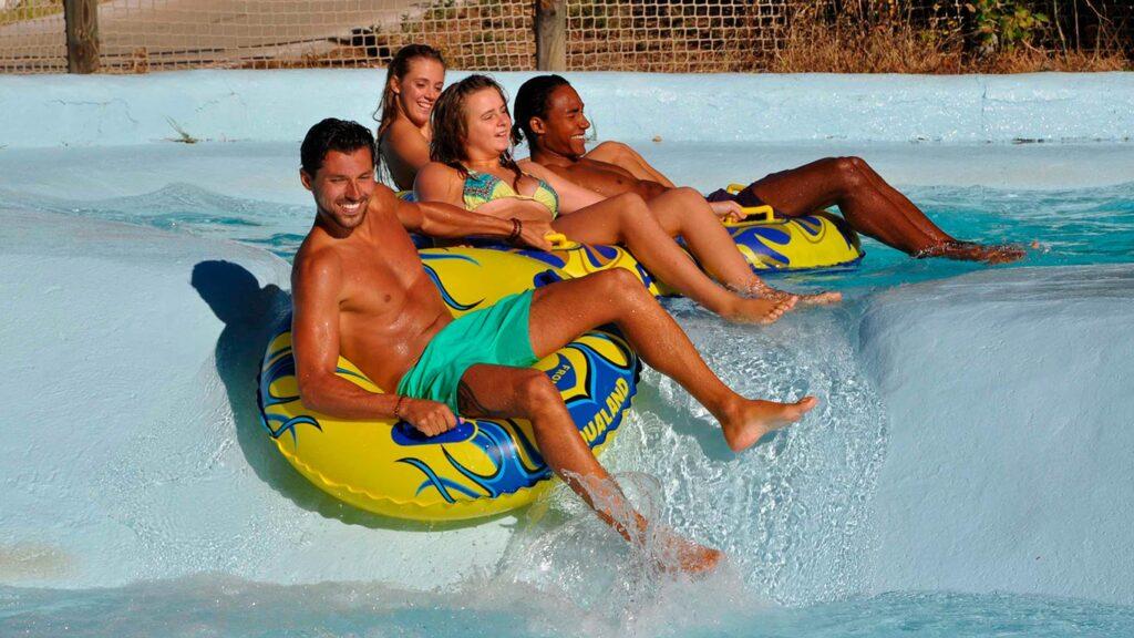 Jeux au parc aquatique : pour des moments inoubliables à Aqualand Ste Maxime
